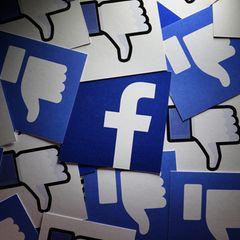 Meinung äußern: Facebook Symbol und Likes