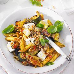 Gemüse-Pasta-Salat mit Mozzarella