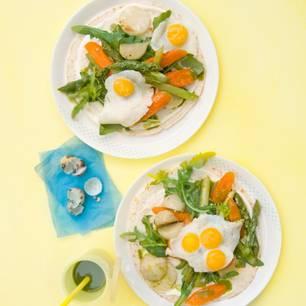 Gemüsesalat mit Wachteleiern und Grüntee-Vinaigrette