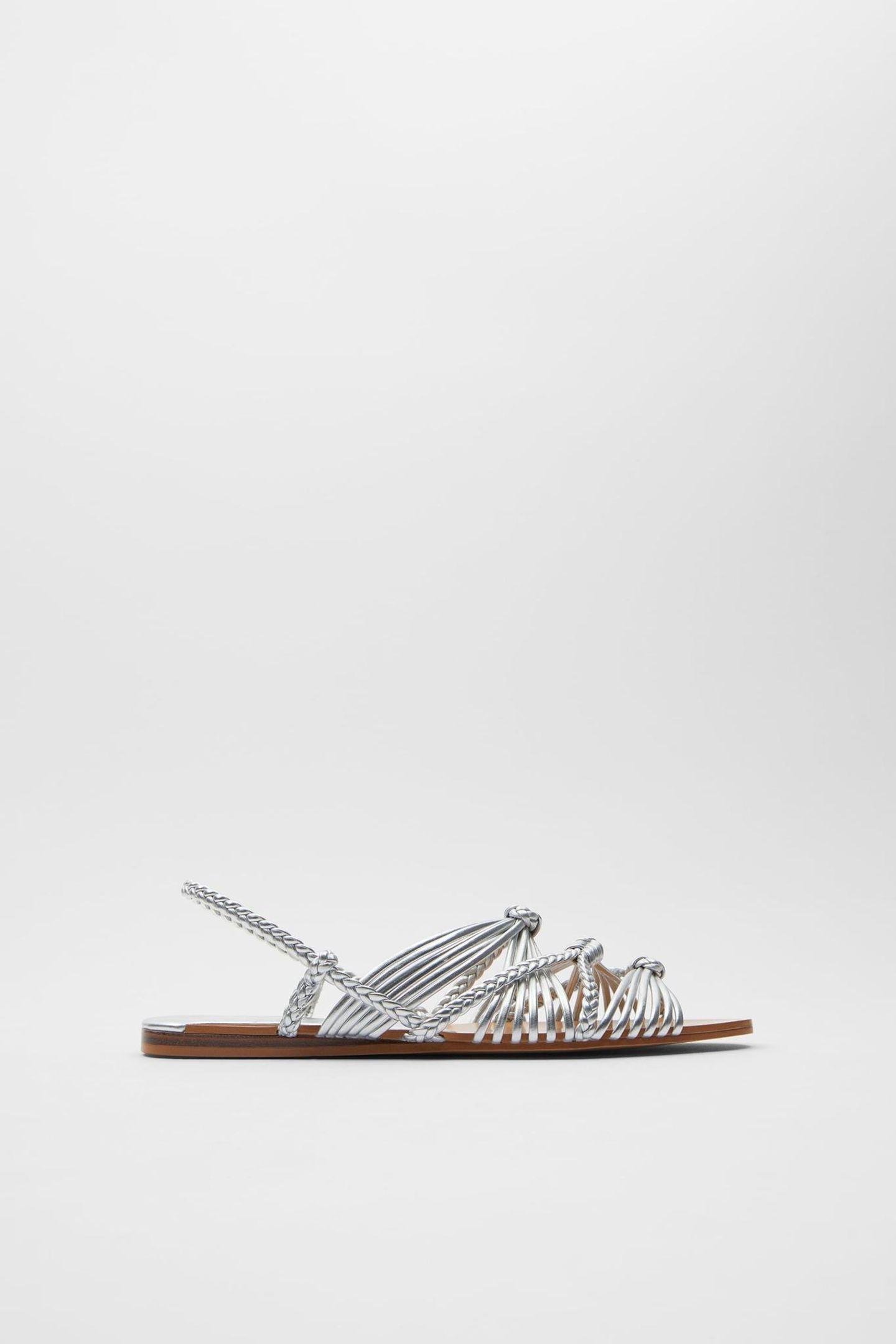 Flache Sommerschuhe: Silberene Sandalen
