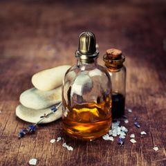Sex-Helferlein: Massageöl und Zen-Steine