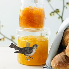 Ananas-Apfel-Konfitüre mit braunem Rum