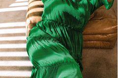 Sommerkleider: Gesmoktes Stufenkleid
