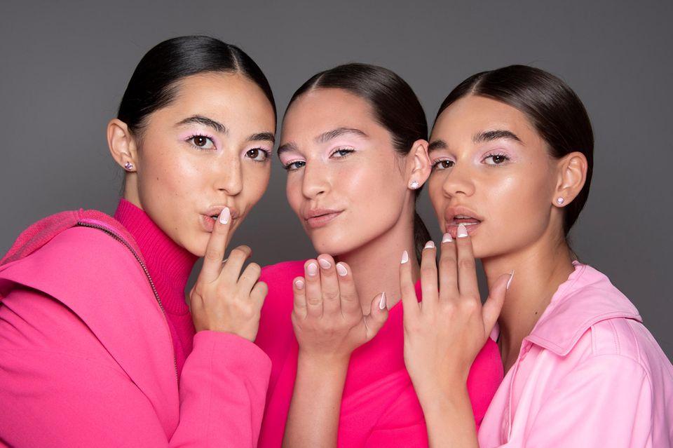 Lippenstift-Trends 2020: Models Backstage in Pink