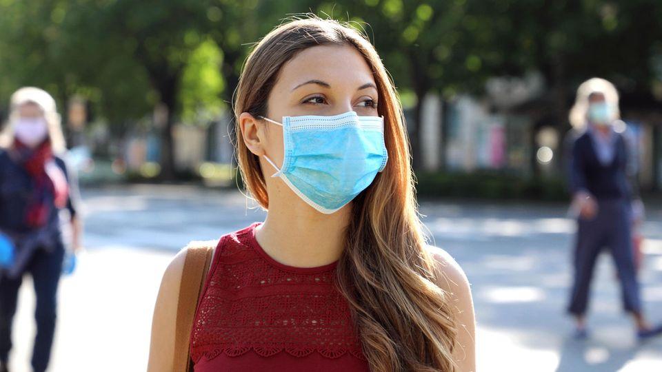 Maske im Sommer: Darauf solltet ihr achten