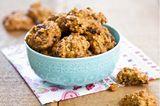 Backen ohne Zucker: Kekse in einer Schale