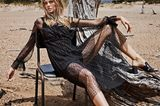Schwarze Mode: Kleid mit transparentem Punktetop