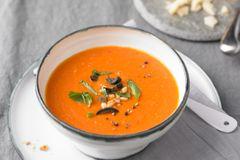 Schnelle Suppenrezepte: Tomatensuppe mit Oliven