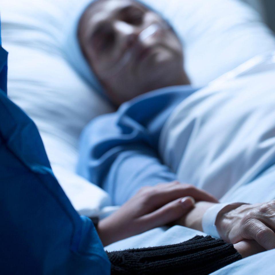 Erinnerungen an die viel zu früh gestorbene Mutter: Mutter auf dem Sterbebett
