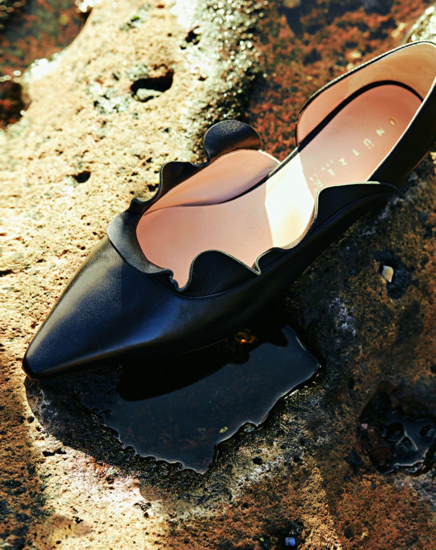 Volant-Mode: Schwarze Lederballerinas