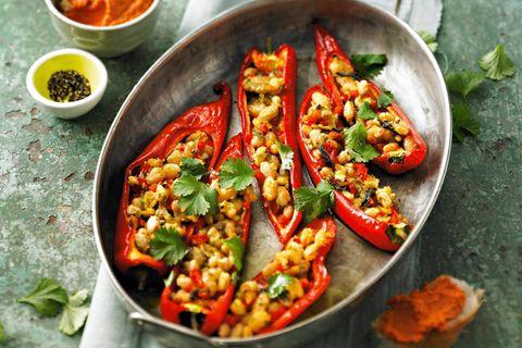 Paprika-Rezepte: Spitzpaprika mit Paprika-Walnuss-Dip