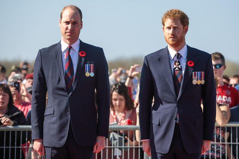 "Royals: Harry + William: Nächster Schritt im ""Scheidungs-Deal"""
