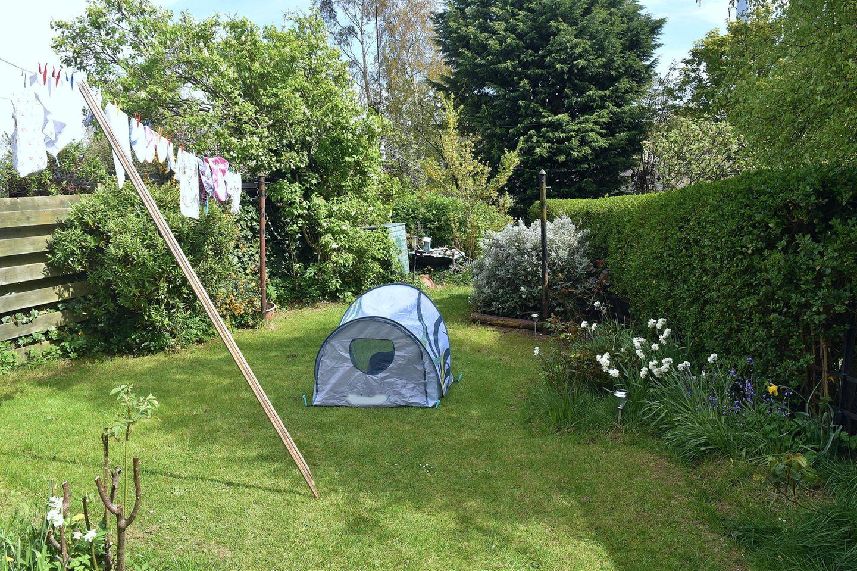 Sommer 2020: Zelt im Garten