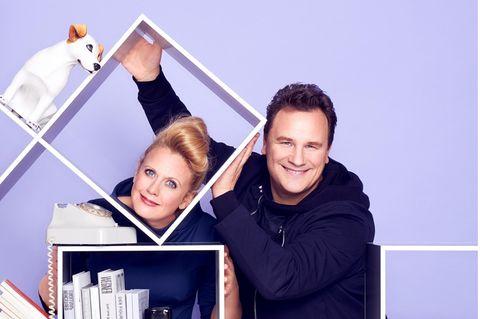 Ordnung schaffen: Barbara und Guido beim Aufräumen