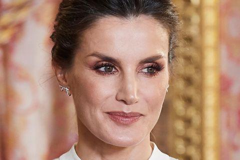 Spaniens Königin Letizia mit glamourösen Augen-Make-up