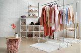 ankleidezimmer mit kleiderstange