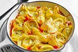 Gefüllte Nudeln in Tomaten-Orangen-Soße