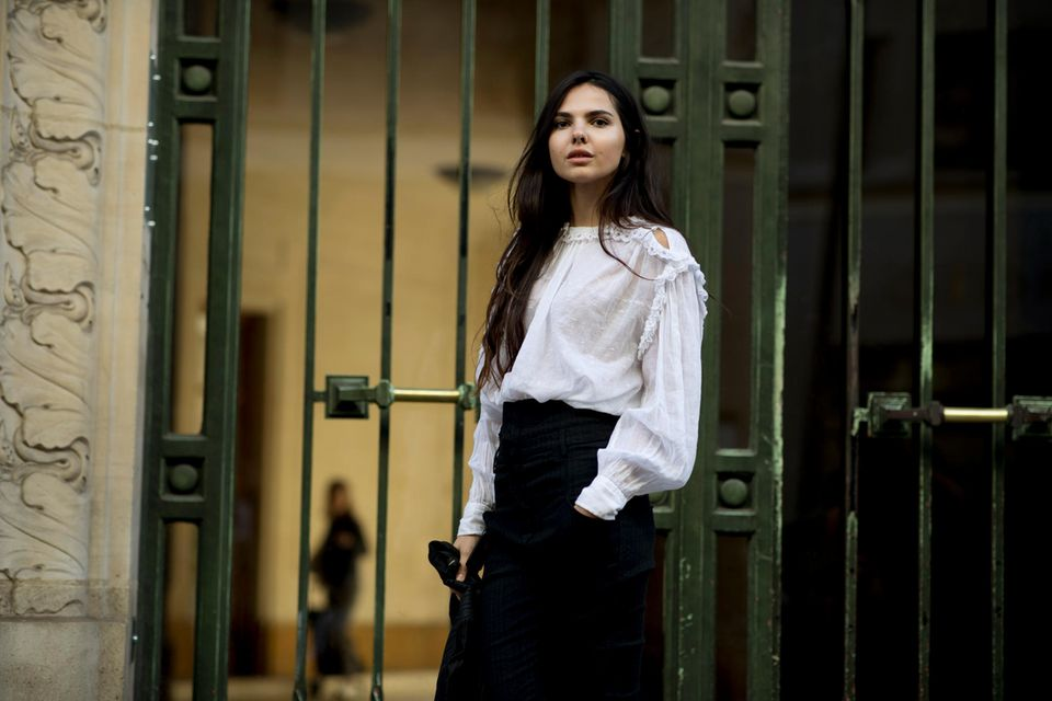 Model zur Pariser Fashion Week