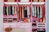 ankleidezimmer: rosa-schrank