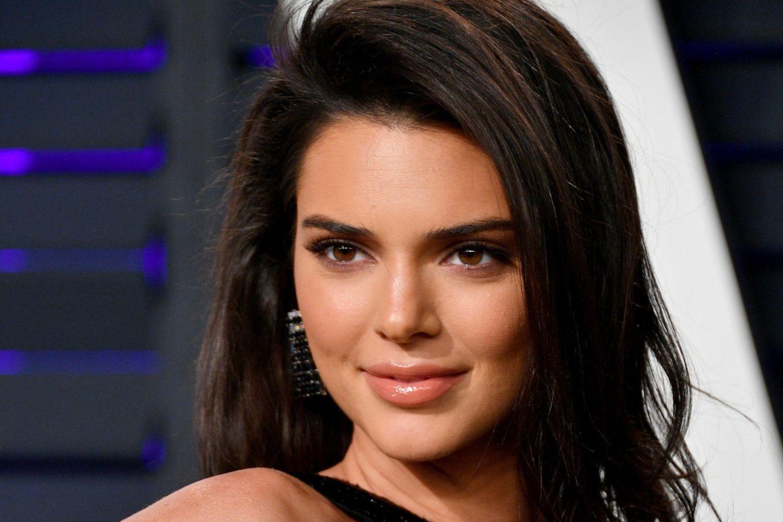 Dolphin Skin: Auf diesen Make-up-Trend schwört Beautyqueen Kendall Jenner