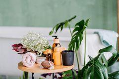 5 Hausmittel, die jede Drogerie ersetzen