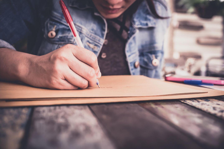 Trennung: Frau schreibt Brief