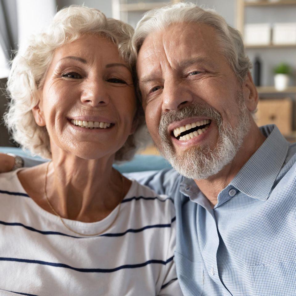 Großeltern: Machen ein Selfie zusammen