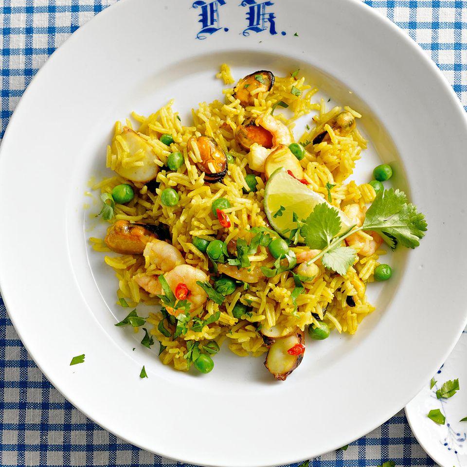 Currybratreis mit Meeresfrüchten
