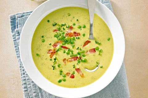 Erbsen-Schnittlauch-Suppe mit Speck