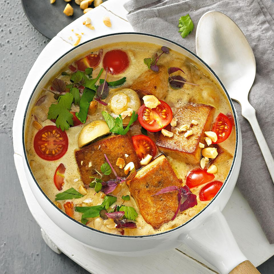 Tofu-Rezepte: Tofu-Gulasch mit Erdnüssen