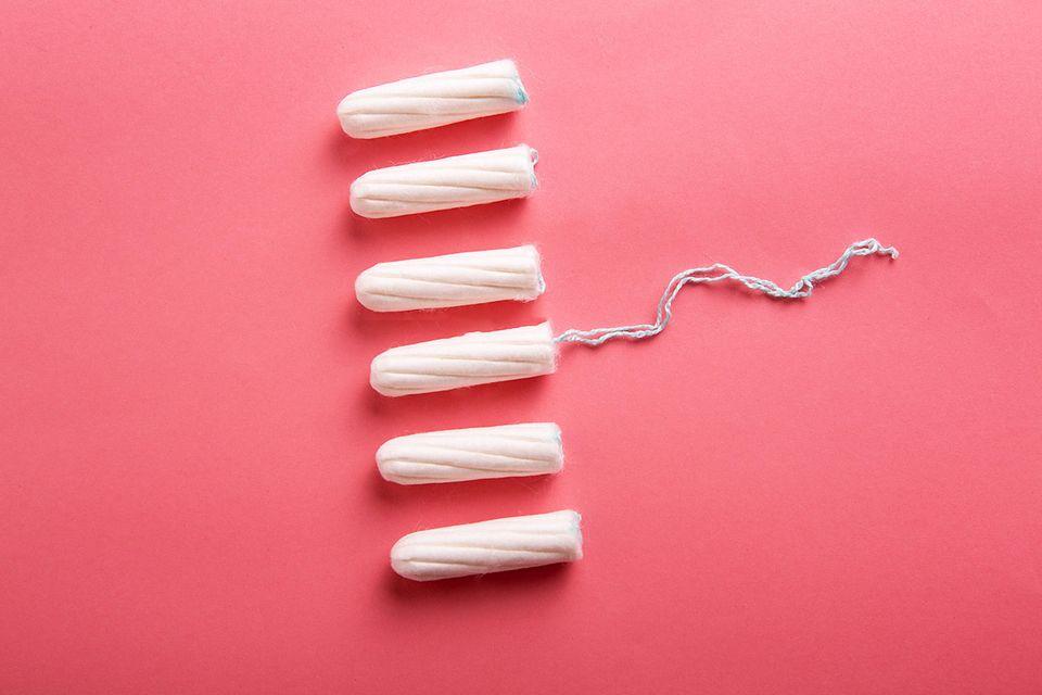 Periode: Tampons liegen nebeneinander