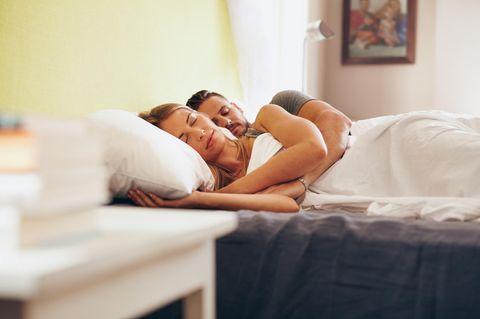Sexflaute: Paar schläft im Bett