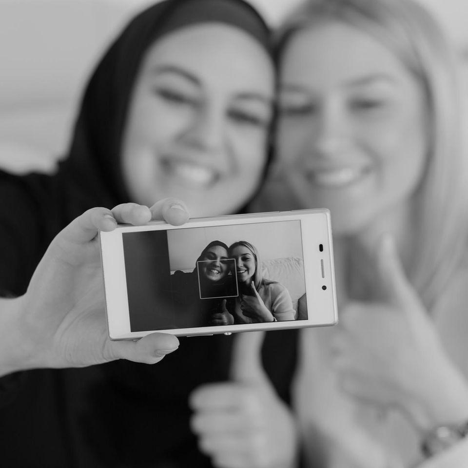 #Challengeaccepted: Frauen machen Selfie