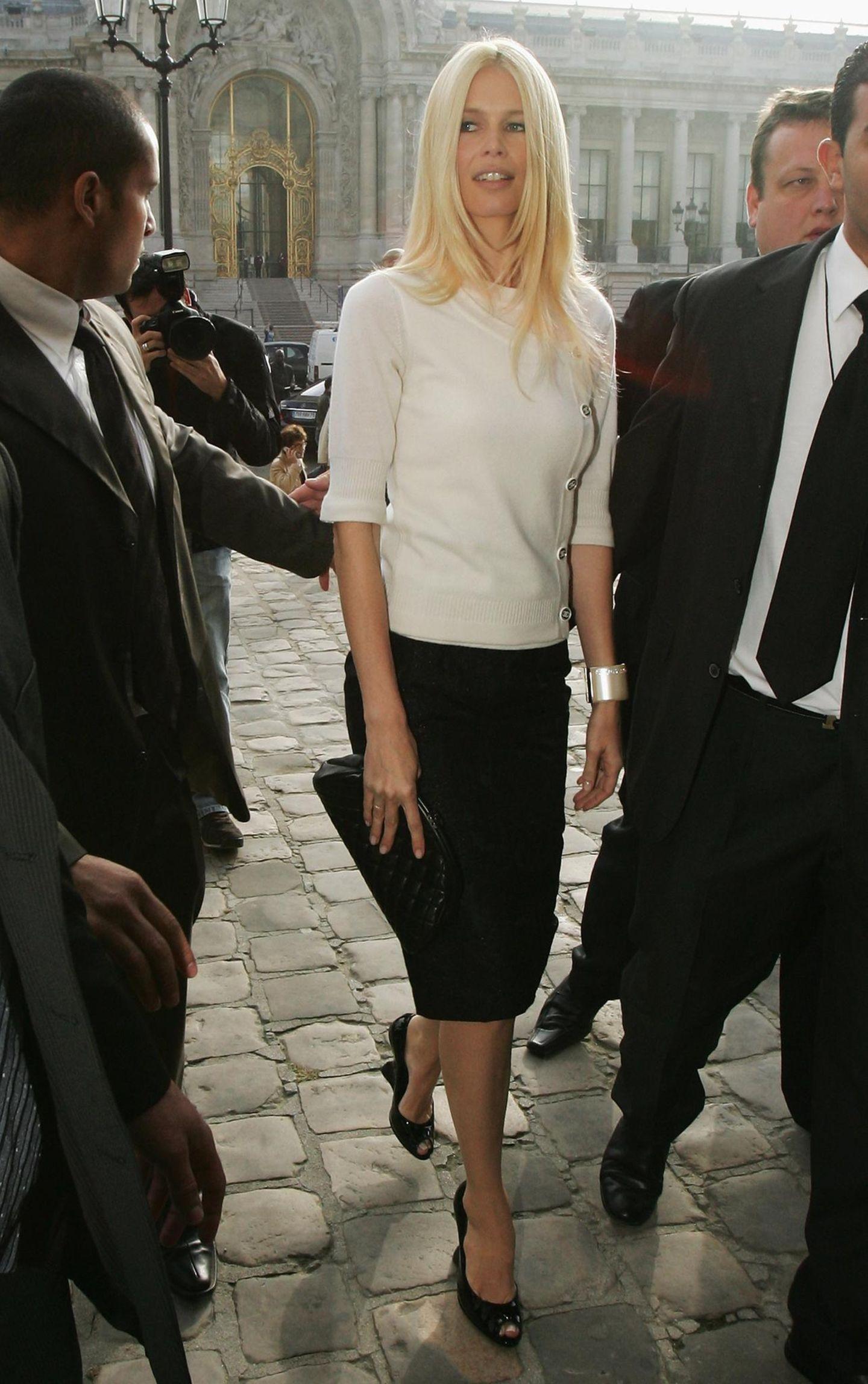 Claudia Schiffer: in Schwarz-Weiß