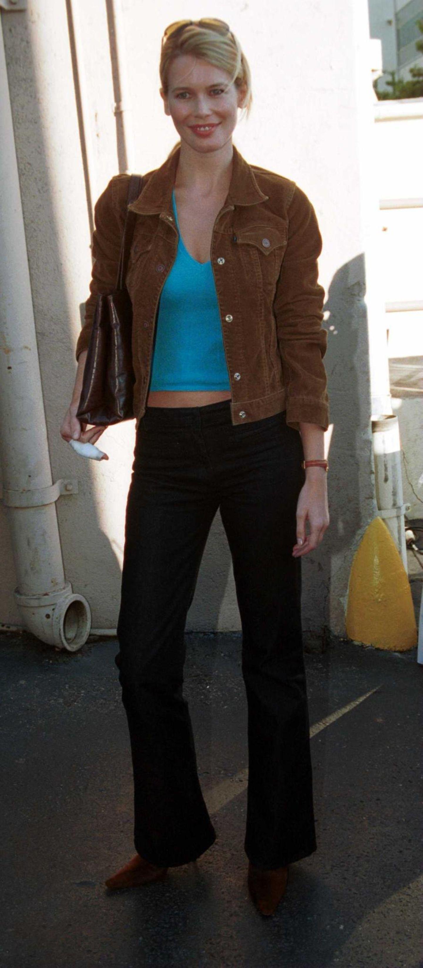 Claudia Schiffer: in Schlaghose