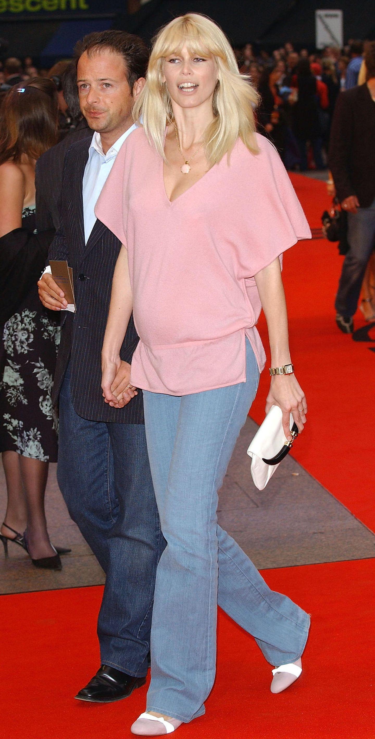 Claudia Schiffer: im Schwangerschaftslook
