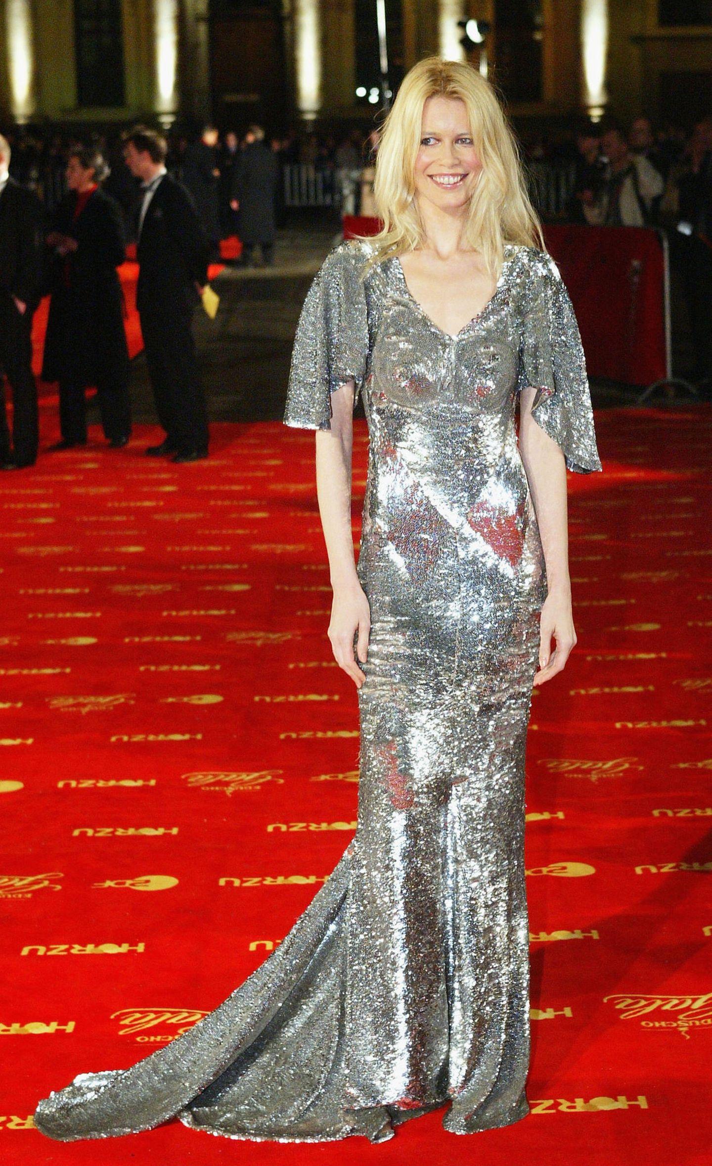 Claudia Schiffer: im Glitzerkleid
