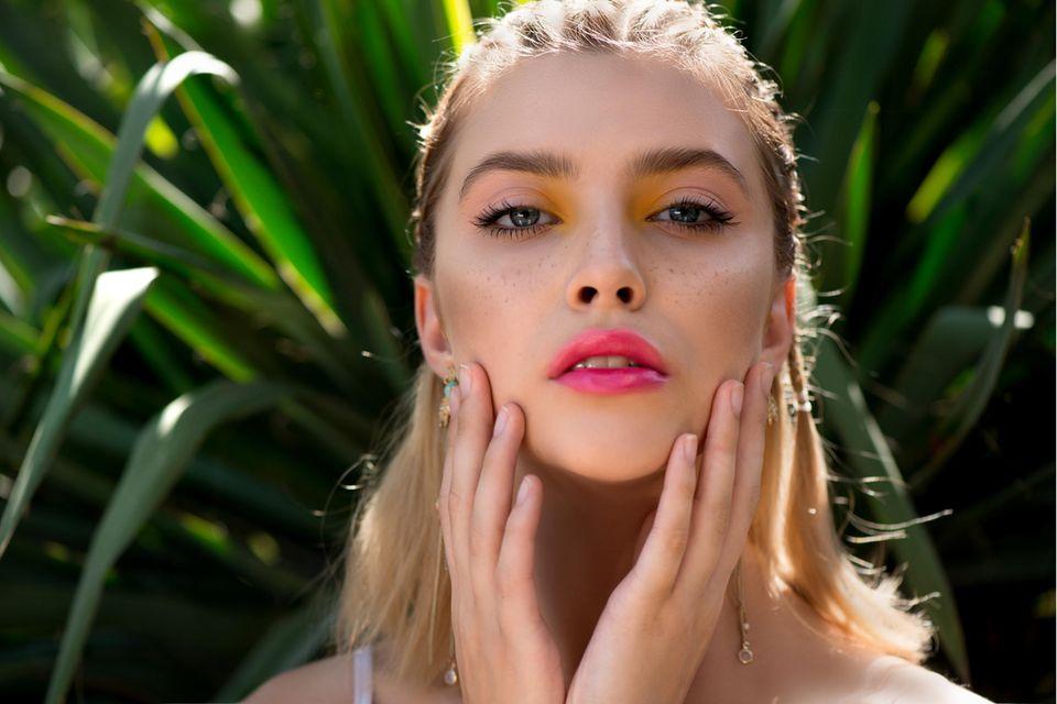 Soap Brows: buschige Augenbrauen, mit Seife in Form gebrachte Augenbrauen