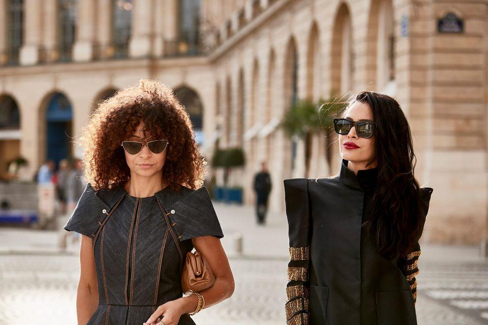 Besucher der Pariser Fashion Week