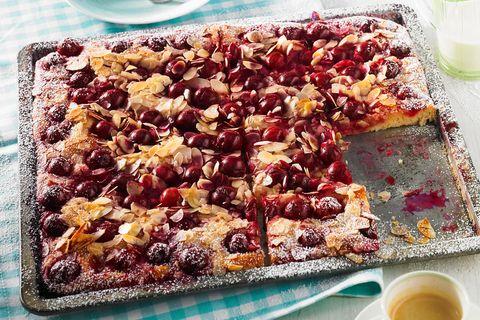 Blechkuchen-Rezepte: Sauerkirsch-Butterkuchen