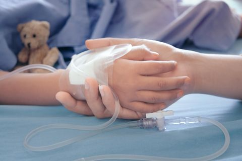 Russland: Mädchenhand im Krankenhaus