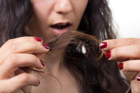 Haare lufttrocknen lassen? Diese Fehler macht fast jeder!