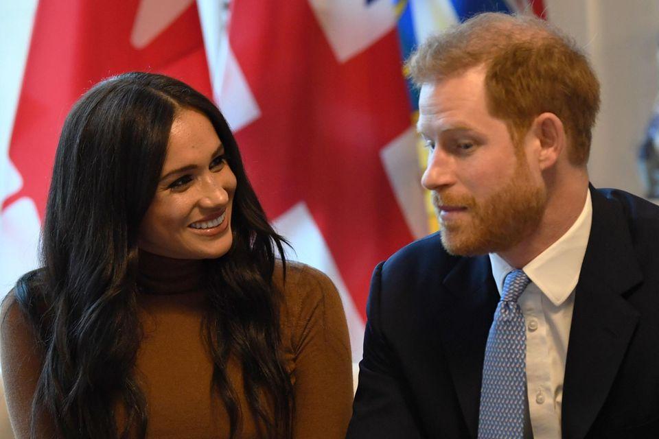 Royals: Als Harry im Video-Call mit Meghan diesen Namen hört, fällt die Maske