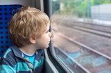 Süße Rettung: Junge sitzt in Bahn