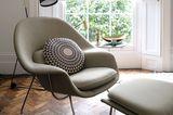 Leseecke einrichten: Sessel mit Fußhocker