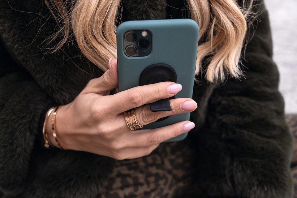 Der flapgrip soll das Nutzen von XXL-Smartphones künftig leichter machen.