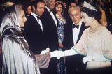 Queen Elizabeth II.: mit Barbra Streisand