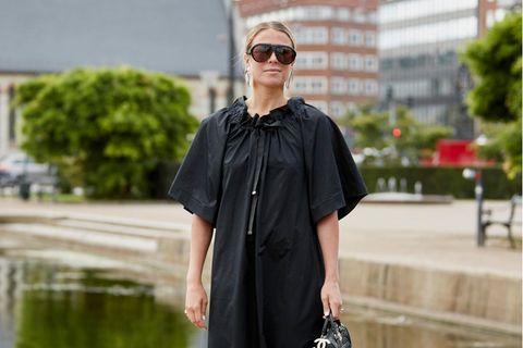 Lieblingskleid der Influencer: Eine Besucherin der Fashion Week in Kopenhagen
