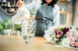 Haushalts-Tricks: Blumen neben Vase