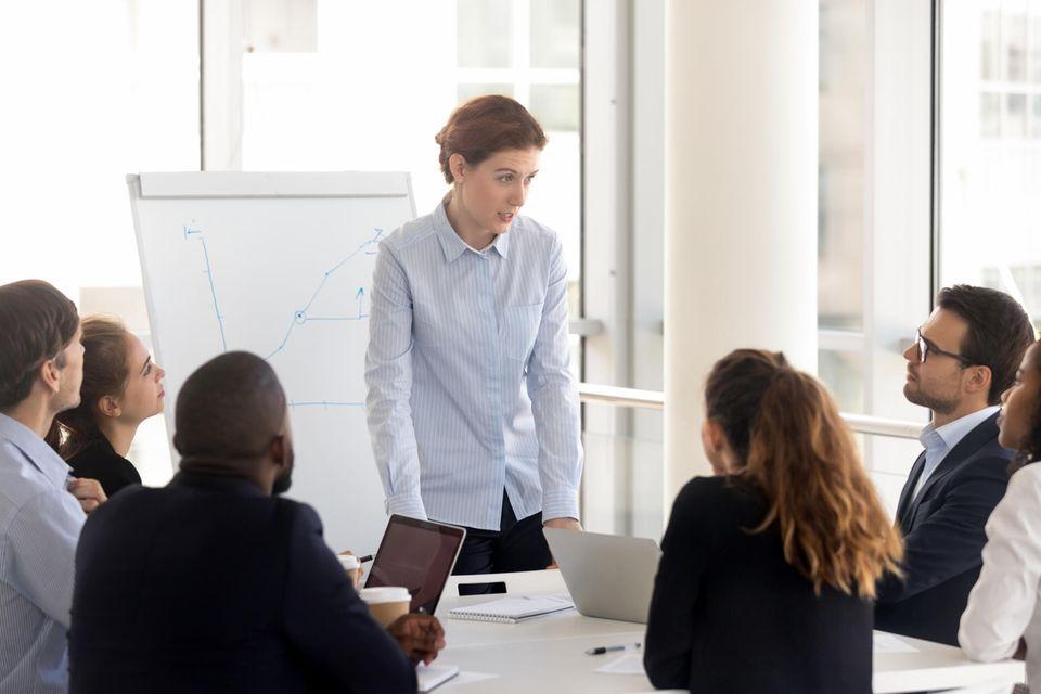 Sales Manager: Sales Manager bei der Arbeit